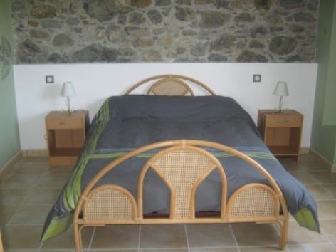 12-Lourdes-Gi-te-Izans--1--Chambre.jpg