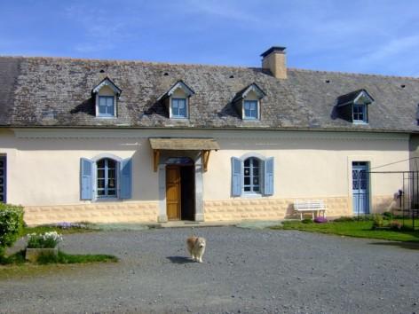 1-Vue-exte-rieure-maison---Location-Didier-LIOS.jpg