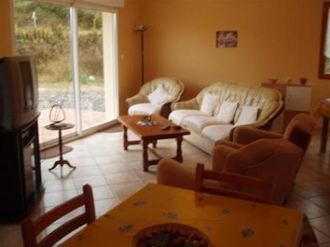 2-salon-venanci-beaucens-HautesPyrenees.jpg..jpg
