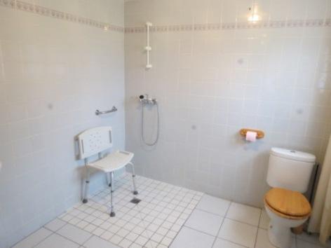 7-Ade-meuble-MATHEU-Appartement-personne-handicapee--4-.jpg