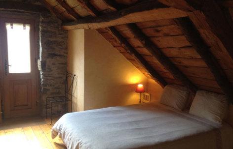 7-CAUSSIEU-Francis--Grange-6-pers----chambre-2.jpg