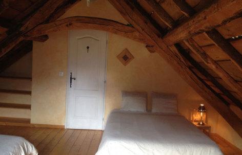 9-CAUSSIEU-Francis--Grange-6-pers----chambre-4.jpg