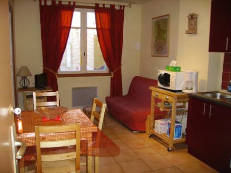 4-AGMP302-Estang-salon.jpg