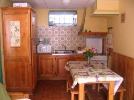 2-RAMANOEL-4pers-RDC---cuisine.jpg