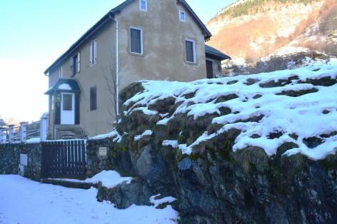 15-COURTADE-Louis---appt-RDC----exterieur-neige.JPG