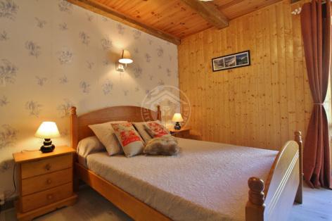 6-G-chambre1-courtade-gavarnie-HautesPyrenees.jpg