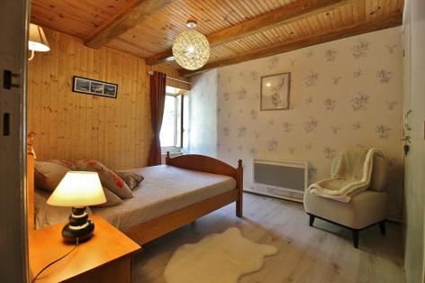 7-H-chambre2-courtade-gavarnie-HautesPyrenees.jpg
