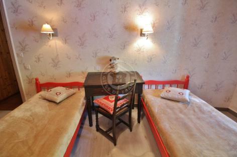9-J-chambre4-courtade-gavarnie-HautesPyrenees.jpg
