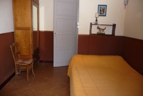 5-chambre2-morinelise-argelesgazost-HautesPyrenees.jpg