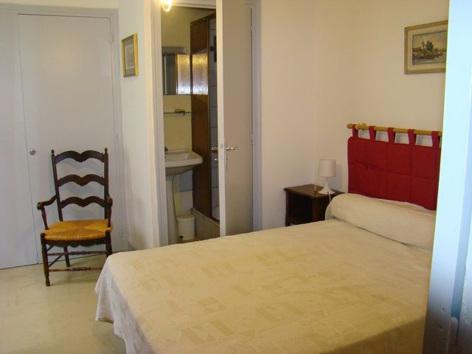 10-chambre4-garderes-gedre-HautesPyrenees.jpg