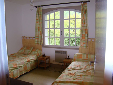 11-chambre5-garderes-gedre-HautesPyrenees.jpg