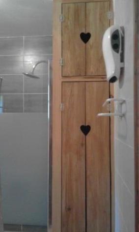 3-SABATUT-Rene---6p-le-Castillon---salle-d-eau--2--2.jpg