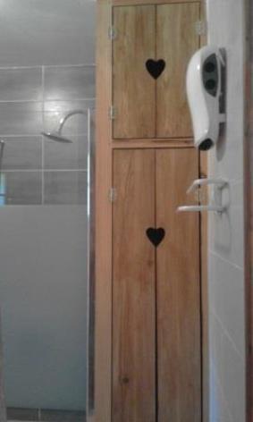 7-SABATUT-Rene---6p-le-Castillon---salle-d-eau--2-.jpg