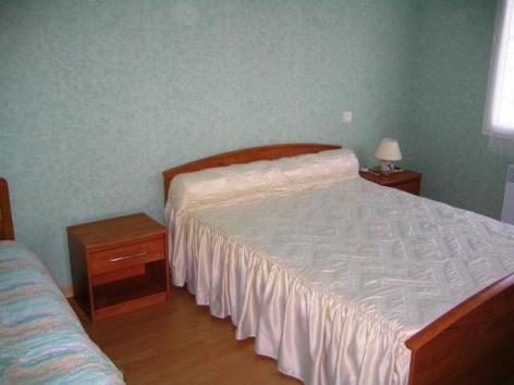2-maison-bousquet-chambre-1.jpg