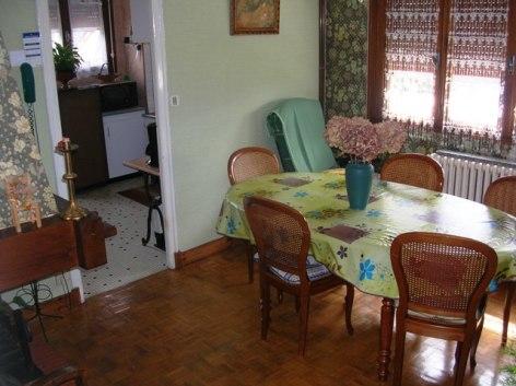 1-Villa-le-pic-salon-cuisine.JPG