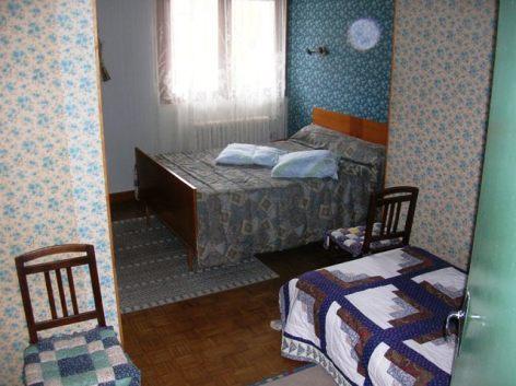 2-Villa-le-pic-chambre-RDC-2.JPG