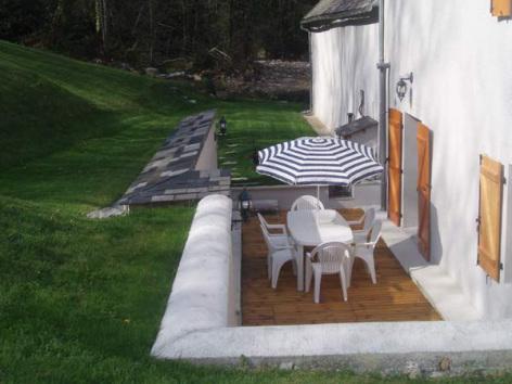 5-HPM68---Gite-de-peche-La-Chataigneraie---Terrasse.jpg