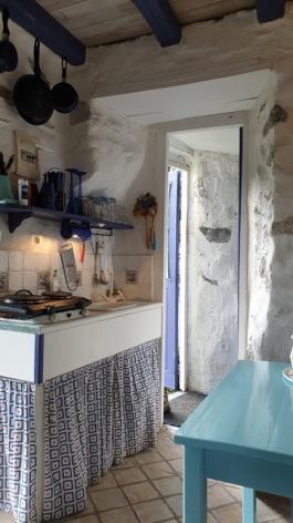 3-Petit-Blue-keuken-deur-badkamer.jpeg