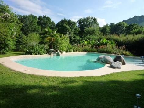 1-domaine-vega-piscine.jpg