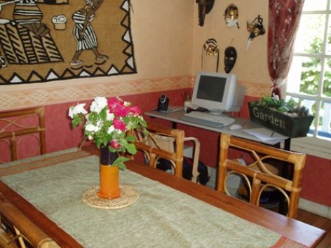 5-salleamanger-chambred-hoteentrecouette-argelesgazost-HautesPyrenees.jpg
