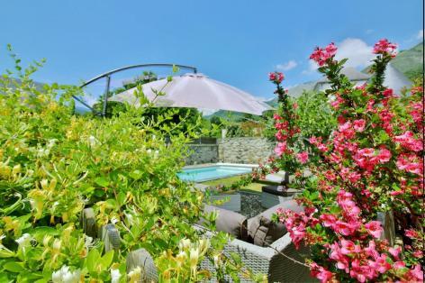 4-jardin-Cabar-ayzacost-HautesPyrenees.jpg