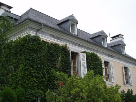 9-facade2-chambred-hotemaisonbellocq-ayzacost-HautesPyrenees.jpg