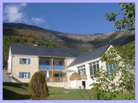 0-accueil-chambred-hoteleberierot-ouzous-HautesPyrenees.jpg