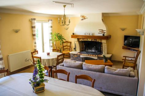 1-salon-leberierot-ouzous-HautesPyrenees.jpg