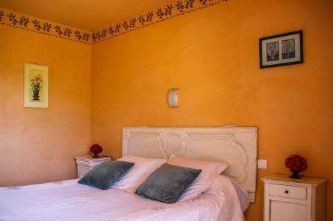 2-chambre1-leberierot-ouzous-HautesPyrenees.jpg
