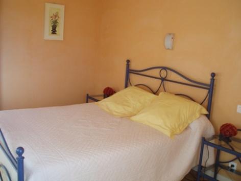 4-chambre3-chambred-hoteleberierot-ouzous-HautesPyrenees.jpg