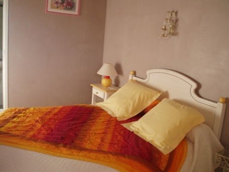 5-chambre4-chambred-hoteleberierot-ouzous-HautesPyrenees.jpg
