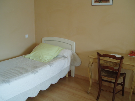 7-chambre6-chambred-hoteleberierot-ouzous-HautesPyrenees.jpg