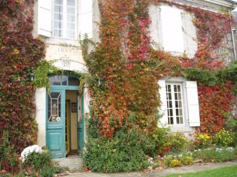 0-facade-chambred-hotemaisonmayou-ouzous-HautesPyrenees.jpg