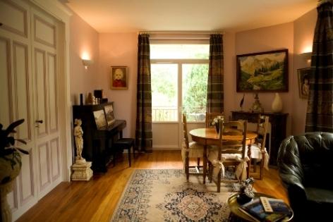 5-salon-chambred-hotechaletsvalleesdesgaves-adast-HautesPyrenees.jpg