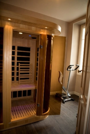 6-sauna-chambred-hotechaletsvalleesdesgaves-adast-HautesPyrenees.jpg