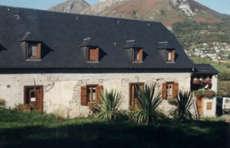 0-facade-chambred-hotefermeantaya-arcizansavant-HautesPyrenees.jpg