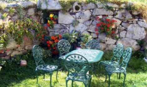 3-jardin-chambred-hotefermeantaya-arcizansavant-HautesPyrenees.jpg