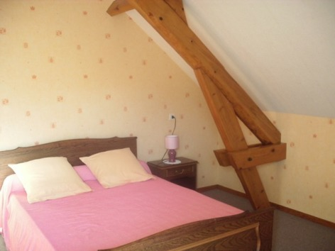 2-chambre-lacaze-argelesgazost-HautesPyrenees.jpg