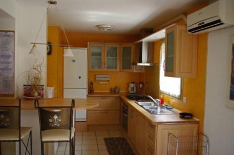 3-cuisine-blanc-argelesgazost-HautesPyrenees.jpg