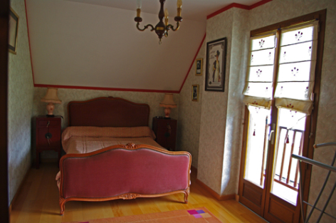 6-chambre1-blanc-argelesgazost-HautesPyrenees.jpg