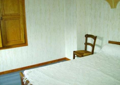 4-chambre-broueilhfrancis-beaucens-HautesPyrenees.jpg.jpg