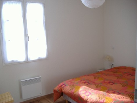 7-chambre1-janin-argelesgazost-HautesPyrenees.jpg
