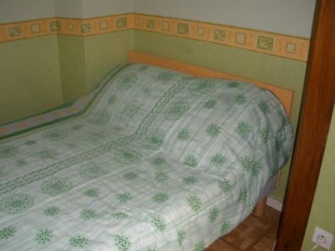 5-chambre-autet-argelesgazost-HautesPyrenees.jpg.JPG