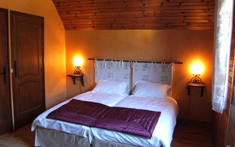 6-chambre-rode-laubalagnas-HautesPyrenees.jpg