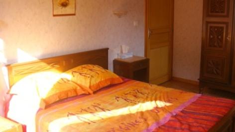 3-chambre-errotaberea-beaucens-HautesPyrenees.jpg.jpg