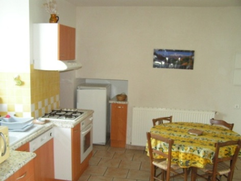 3-cuisine-vignesmarc5-laubalagnas-HautesPyrenees.jpg