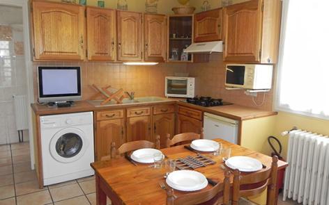 1-cuisine2-llodra-argelesgazost-HautesPyrenees.jpg