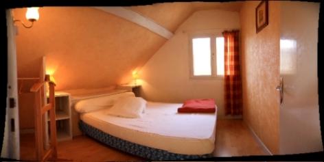 2-chambre1-dubray-ouzous-HautesPyrenees.jpg