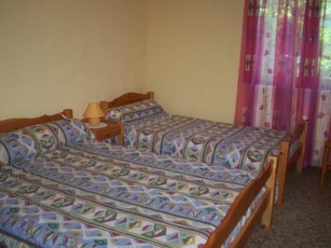 5-chambre2-costebetty-laubalagnas-HautesPyrenees.jpg