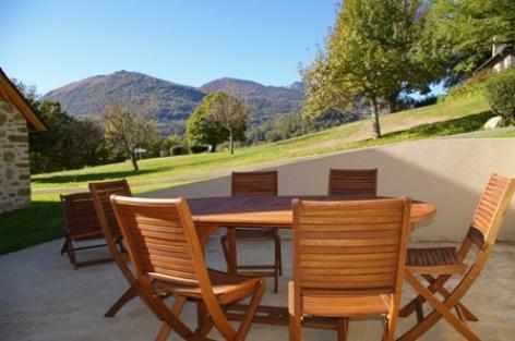 1-terrasse-vigneschaletbergons-ouzous-HautesPyrenees.jpg.JPG